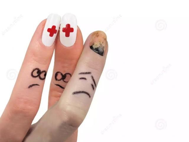 секреты лечения почерневшего ногтя